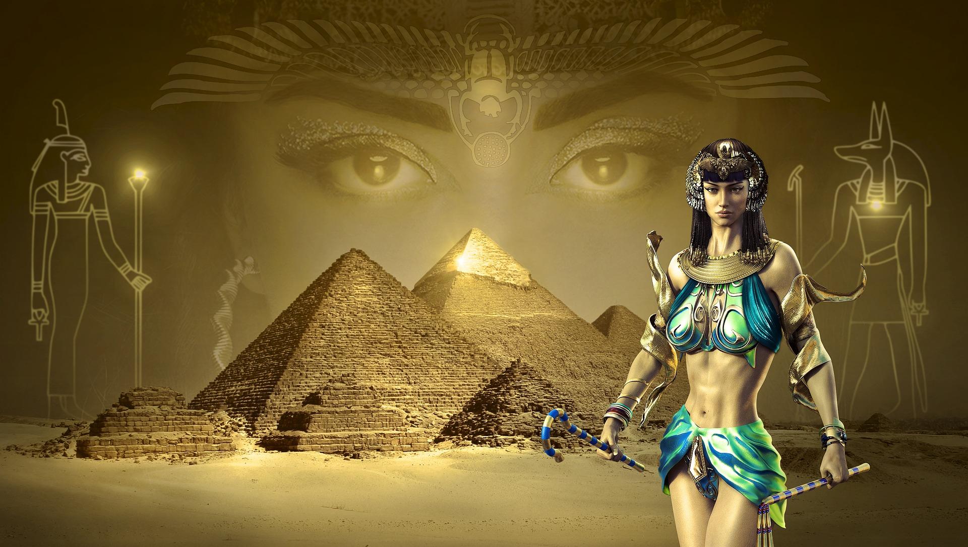 Pyramide mit Frau gold